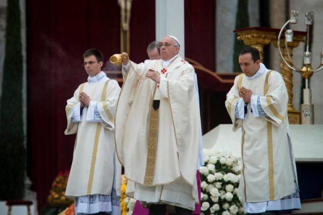 papinstvo svećenstvo
