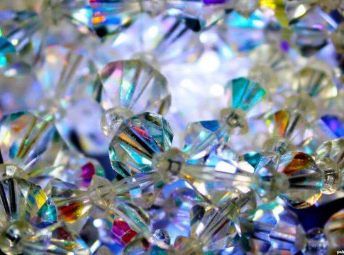 blago zlato kristali minerali