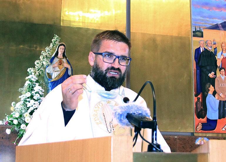 svećenik Zaprešić