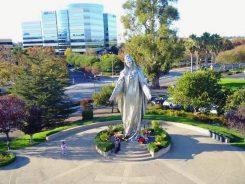 svetište masivni kip