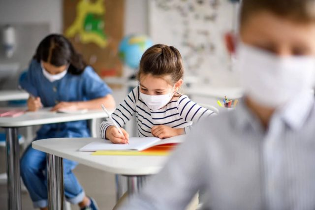 novonormalno nenormalno maske škola