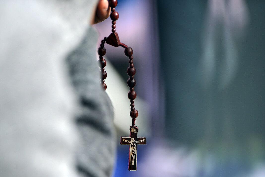 zarobljeni religija hereza